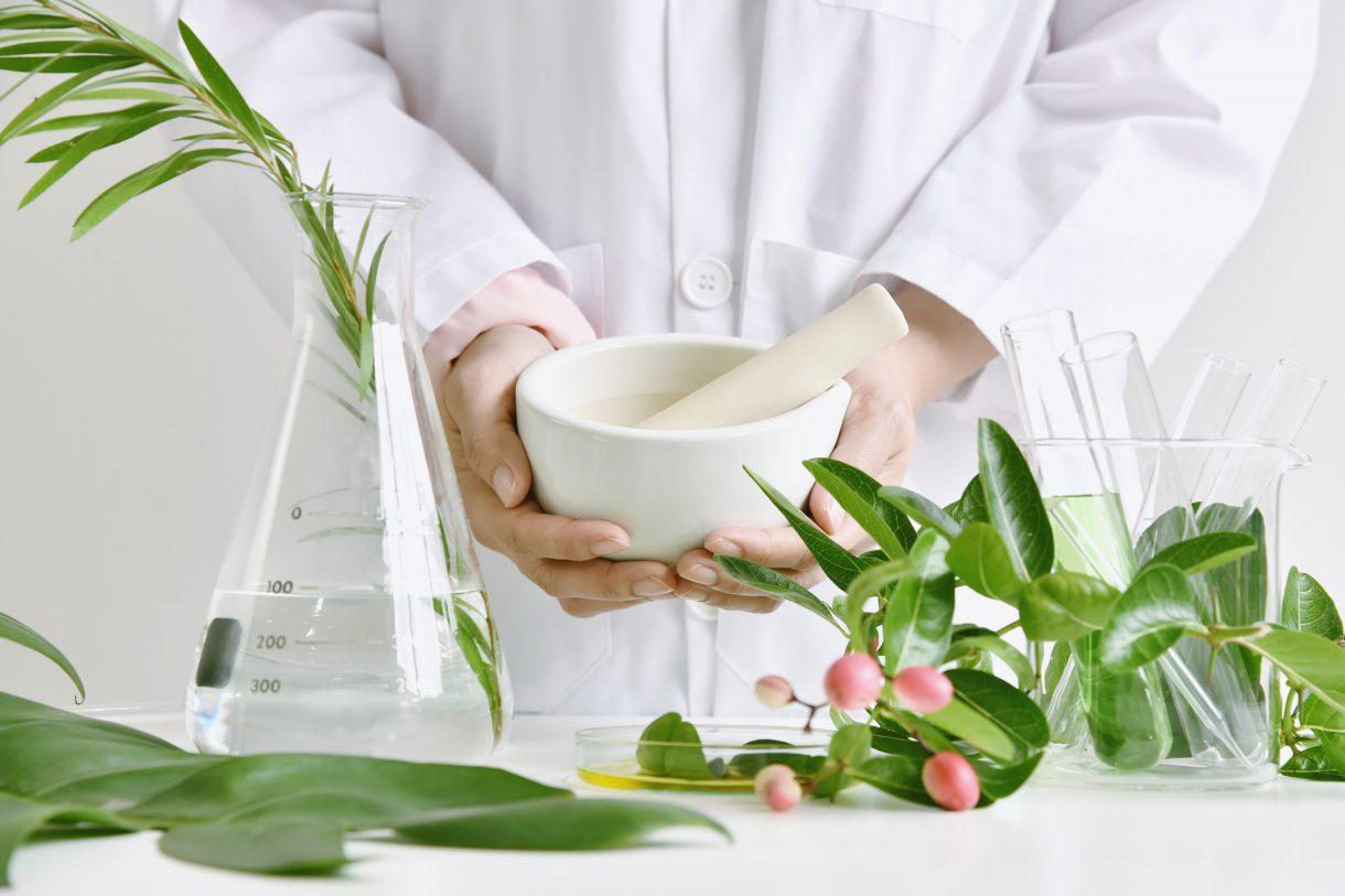thảo dược thiên nhiên trắng da an toàn và hiệu quả